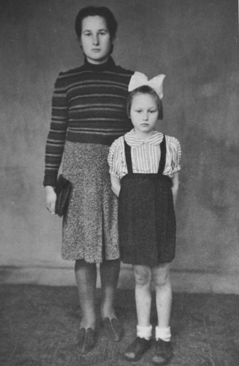 Стефания и Хелена Подгорски, 1943 година